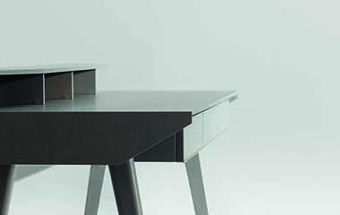 Exclusive Design Furniture: Manta Desk by WOW Architects